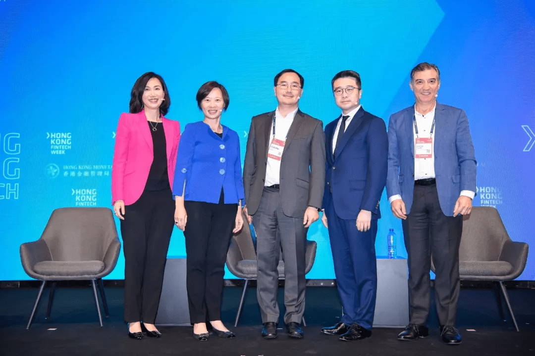 #HKFintech2019 Vol.4 | Calvin Choi, Conlin Pou, Mary Huen, Angel Ng and Sebastian Paredes jointly explore innovation, transformation and upgrading of financial institutions